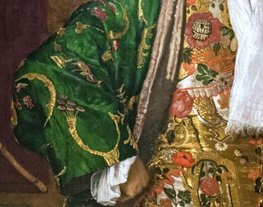 Elégance masculine en robe de chambre