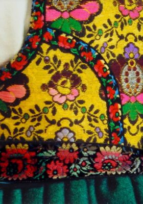 Costume alsacien – Un corselet à géométrie variable (1)